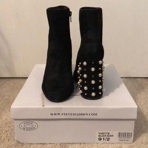 Steve Madden Yvette Booties Black with Pearls 9.5